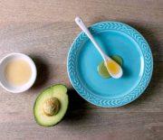 Hướng dẫn cách trị mụn cho da dầu bằng giấm táo và bơ