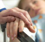 Chăm sóc bệnh nhân bị ung thư như thế nào cho tốt?